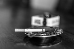 Pause cigarette (MrMyz) Tags: bw nb rmyb blackwhite blackandwhite canon eos eos5d monochrome mrmyz noirblanc noiretblanc solitude solo