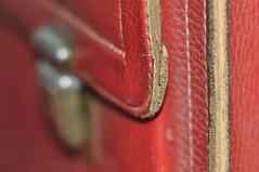my old bag (nirak68) Tags: lbeck schleswigholsteinkreisfreiehansestadtlbeck deutschland ger 259366 ranzen schoolbag red rot leather leder satchel backtoschool flickrfriday 2016ckarinslinsede