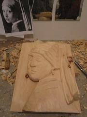 Vermeer4 (La pulce d'acqua) Tags: vermeer legno bassorilievo cirmolo scolpire