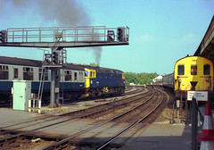 1984-07. 03.  33044 departing from Salisbury. (Ron Fisher) Tags: britishrail brblue southernregion salisburystation