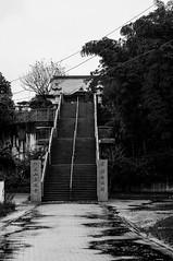 _DSC1815 (Kohji Iida) Tags: street white black bicycle silhouette japan temple photography 50mm nikon stair bokeh gear 18 hang kohji tsuchiura ibaraki iida d90