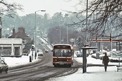 Midland Red Leyland National, Wolverhampton, February 1981 (David Rostance) Tags: snow newbridge a41 wolverhampton midlandred leylandnational tettenhallroad bvp813v