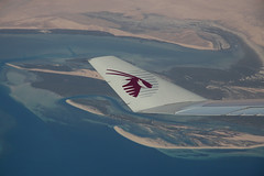 Décollage Doha - Al Khor (Maillekeule) Tags: windows sky plane al aircraft ciel airways takeoff qatar hublot decollage thakhira