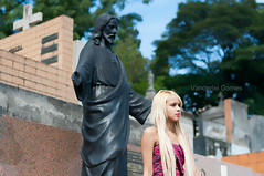 Thaina hadmad (Vanderlei Gomes Fotografia :-]) Tags: brazil woman black girl brasil dark model dress mulher gothic modelo teen blonde garota cemitrio paulo menina so cemitery baidu loira morena tumulo gtica brunet arac