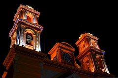 Iglesia San Francisco de Asís. Iguala, Guerrero, México. (monchor1) Tags: tower church colors méxico night de mexico temple lights luces noche san francisco torre shadows bell couleurs churches iglesia colores temples templos nocturna mexique iglesias nuit sombras templo campanario nit torres ombres llums guerrero clocher ramón campanar moncho iguala léglise églises esglésies asís església mèxic monchor1