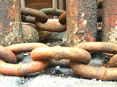 LINKED (marc falardeau) Tags: urban toronto rust decay boredatwork chain april links amateur 4s sping iphone gayphotographer neversuburban