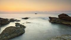 A new day slaughter (Rafael Dez) Tags: espaa castellon peiscola verano mar amanecer sunrise filtro paisaje rocas agua rafaeldez barco