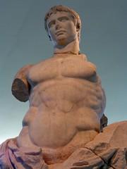 Statue d'Auguste / Muse de l'Arles Antique (Charles.Louis) Tags: paca bouchesdurhne arles muse antique archologie marbre tte buste statue patrimoine histoire