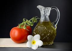 Slow Food (My Sister's Keeper) Tags: leicar apomacroelmarit 100mmf28 oliveoil