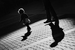 The Guardian (Haciendo clack) Tags: haciendoclack jessgonzlez canon5dmarkii 5dmarkii canonef24105mmf4lisusm valladolid espaa spain europa europe castillaylen 2013 reflex digital blancoynegro blackandwhite sombras shadow plazamayor theguardian