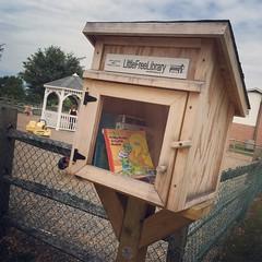 9/16/16 Little Library (Karol A Olson) Tags: tinylibrary books sep16 sesamestreet project3662016