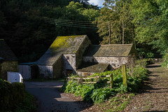 Farm buildings (clogette) Tags: derbyshire peakdistrict countryside walking bakewell england unitedkingdom