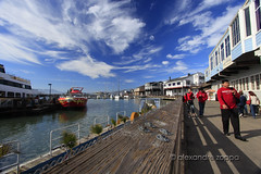 Pier 39 (Alexandre Zoppa) Tags: sanfrancisco california city autumn light sea usa sun color luz sol nature canon cores photography mar photo day foto unitedstates natureza parks dia eua sanfranciscobay pier39 fotografia outono estadosunidos parques cidae dreamphoto canont3i