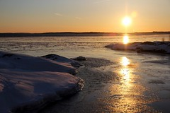 20130327_06 (Frabjous Daze) Tags: sunset sea snow ice suomi finland is helsinki sundown kallio helsingfors lumi sn meri suomenlinna itmeri sveaborg stersjn bedrock viapori sj j auringonlasku suokki balticseasuomenlahtifinska vikengulf