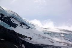 Columbia Icefields (McPeluz ) Tags: mountain snow canada ice clouds nuvole glacier alberta neve montagna columbiaicefields ghiaccio ghiacciaio canonefs18200mmf3556is robertopeli mcpeluz robertopeliphotographycom