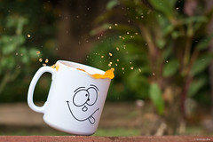 Splash! (Vinicius_Ldna) Tags: cup canon 50mm drink mug splash refrigerante caneca fanta vinicius t3i xicara 4616 ldna rememberthatmomentlevel1 rememberthatmomentlevel2