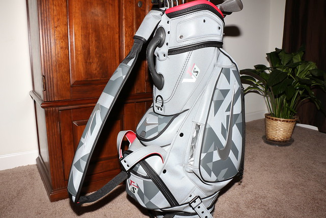 golf nike justdoit nikegolf golfbag sportinggoods golfequipment golfstaffbag nikecovert nikevrscovert nike2013 nikegolfbag