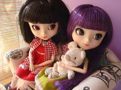 Kira y Lila (Sweet home) 51 (Lunalila1) Tags: fan outfit doll track handmade 11 lila wig groove kira xiao iv kuro tachibana xiaofan stica