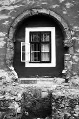 Castle Window (gambit03) Tags: city bw castle window stone wall blackwhite university fenster wand plaster sw universitt zentrum stein ff burg innenstadt vr putz fal egyetem ablak schwarzweis schlos feketefehr belvros k mosonmagyarvr zenter vakolat