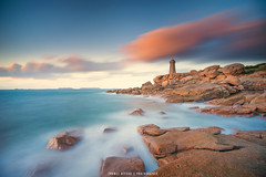 Phare de ploumanac'h (Thomas Devard) Tags: bretagne ploumanach sunset longexposure seascape landscapephotography phare lighthouse