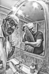 Y as todos los das... (sairacaz) Tags: autorretrato selfportrait retrato reflejo reflection vigo galicia canon eos70d samyang 8mm fisheye ojodepez bn bw