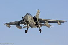 Tornado GR4 (081) ZD713 (markranger) Tags: sun snow canon snowy jet fast tornado raf 081 gr4 marham 550d fastjet 300f4l zd713