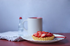 tartelettes alle fragole (la donnina di marzapane) Tags: red fruit sweet strawberries dolce pastry sweets rosso frutta tarts dolci fragole dolcetti tartelettes crostatine ladonninadimarzapane