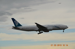 Air New Zealand B777-200ER ZK-OKD (3) Melbourne Tullamarine 21 MAR 2013 (denmac25) Tags: new air melbourne emirates zealand tullamarine b777300