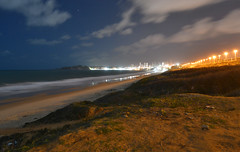 Luzes da cidade (Mrcia Procopio) Tags: light praia beach night lights nightscape bynight rn riograndedonorte beachscape pontanegra morrodocareca lightsandcolors praiasdobrasil praiasbrasileiras praiaspotiguares praiasnordestinas praiasdorn