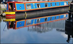 Mr.Humby. (dlanor smada) Tags: water reflections canals grandunion narrowboats mrhumby