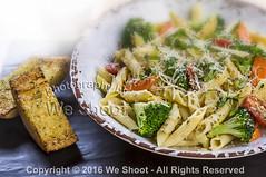 Penne Pasta And Garlic Toast (weeviltwin) Tags: menu item items food italian restaurant penne primavera vegetables noodles pasta garlic bread toast bowl dish plate drink cup weshootcom