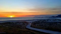 Arrebol (gatetegris) Tags: sunset solpor puestadesol ocaso playa beach praia lario carnota acorua corua galicia spain playadelario praiadelario sea mar ocean oceano atlantico atlantic atlanticocean nature naturaleza natureza paisaje nubes clouds sky cielo arrebol