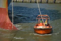 Manchester Bridge DST_5887 (larry_antwerp) Tags: manchesterbridge kline brabo boatman bootsman boatmen boat mooring 9706748 antwerp antwerpen       port        belgium belgi          schip ship vessel        schelde