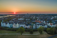 Sky Above Oberkassel (Blende4.0) Tags: aerial drone dsseldorf duesseldorf sunset cityscape sky