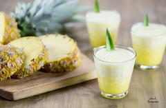 Jugo de Pia (Ivannia E) Tags: beverage bebida juice jugo pia pineapple foodphotography fruitsjuice frutas