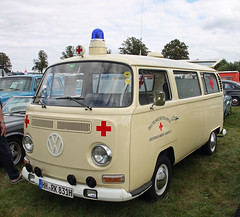 Bulli Ambulance (Schwanzus_Longus) Tags: tostedt german germany old classic vintage van bus vehicle volkswagen vw t2 t2a transporter bully bulli ambulance red cross krankenwagen