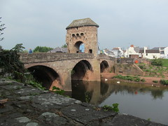 Monnow Bridge (pefkosmad) Tags: monmouth monmouthshire uk wales dayout daytrip town leisure river medieval monnow bridge fortified tower