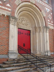 Entrance to East Lake United Methodist Church (bamaboy1941) Tags: eastlakecommunity archway birminghamal al methodist churches