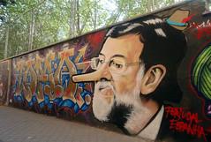 Cuando los medios callan las paredes hablan. (lama dn) Tags: espaa portugal graffiti calle arte colores chase lama aspen mariano rajoy pinocho dn politico firme