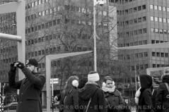 Saturday in Rotterdam (Erwin van Maanen (away & busy)) Tags: blancoynegro netherlands march blackwhite rotterdam zwartwit eating centro nederland streetphotography saturday center shops holanda comer sabado centrum marzo eten tiendas maart winkels zaterdag straatfotografie sonynex6 erwinvanmaanen kroonenvanmaanenfotografie wwwkroonenvanmaanennl