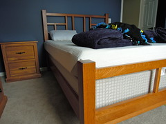 Full Size Bungalow Bed (Brian's Furniture) Tags: americanmade opendesign queensizebed 2drawernightstand hickorys14 solidhickory