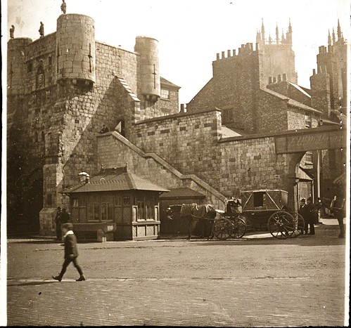 Gate & Old Wall, York 1910s r