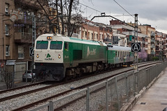 Auscultador en Montcada i Reixac (UT440 131M) Tags: barcelona verde luz ex train canon tren photography eos photo spain gm europa europe control general diesel mark sigma railway zug catalonia motors ii 1d coche 1900 catalunya oriental serie trainspotting laboratorio spotting dg locomotora 340 montcada ferrocarril aleix trainspotter alco 319 espanya 247028 catalogne valls spotter corts adif ffcc administrador hsm geomtrico ferroviarias reixac canonistas auscultador 319340 ferrocat deinfraestructuras deva trenlaboratorio
