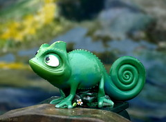 Pascal (Rick & Bart) Tags: paris disney pascal chameleon rapunzel parijs tangled kameleon disneylandresortparis disneylandpark marnelavallee rickbart rickvink