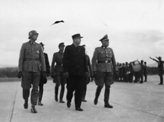 Ministerpresident Quisling ankommer til Fornebo 1942/05/14 (?) (Riksarkivet (National Archives of Norway)) Tags: worldwarii secondworldwar quisling krigen vidkunquisling andreverdenskrig okkupasjonstiden