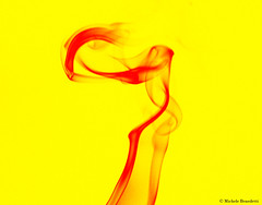 IMG_7480 (Benemiky) Tags: red yellow smoke giallo rosso incenso fumo scia