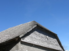 14 April 2013 (keepps) Tags: wood roof barn schweiz switzerland spring suisse shingles fribourg montbovon alpage allires