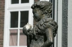 het Meisje van Marken 247 (harry de haan) Tags: harrydehaan meisjevanmarken marken holland netherlands eu europe meisjemetappel applegirl