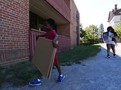 P1260785 (Widener University) Tags: movein studentmoveinday freshmanmoveinday freshman transfer boxes bins unload volunteers faculty staff