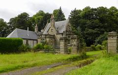 Living the Scottish way (rimerbl) Tags: scotland leica architecture structure building schotland dlux5 unitedkingdom